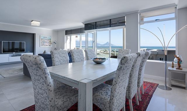 Escoge la mejor decoración para las mesas y sillas de tu salón comedor