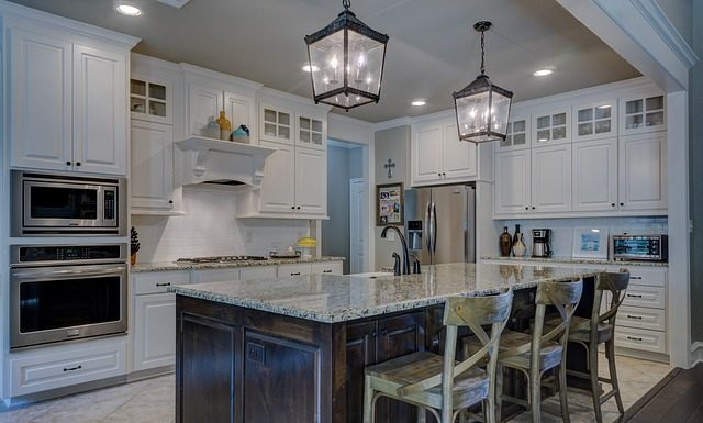 Materiales clave en la decoración de las cocinas modernas